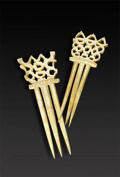 Openwork bone combs