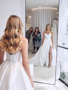 Long Wedding Dresses, Bridal Dresses, Wedding Dress Big Bust, Strapless Wedding Gowns, Detailed Wedding Dresses, Wedding Dress Styles, Long Wedding Veils, After Wedding Dress, Different Wedding Dresses