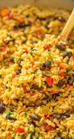 Red Rice and Beans Recipe I've tried so many variations of Rice and Beans, and this one is definitely the winner! Rice Recipes For Dinner, Side Dish Recipes, Veggie Recipes, Mexican Food Recipes, Vegetarian Recipes, Cooking Recipes, Healthy Recipes, Vegan Vegetarian, Ark Recipes