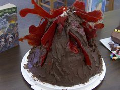 http://www.skokie69.k12.il.us/Staff/Madison/LMC/images/2005cakes/volcano2.jpg