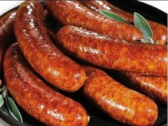 Here is a great recipe for when you want to make your own spicy Italian sausage. The recipe in the video is for spicy sausage but you can adjust the spiciness to suit you Homemade Sausage Recipes, Italian Sausage Recipes, Pork Recipes, Cooking Recipes, Bratwurst, Charcuterie, Farmer Sausage, Spicy Sausage, Home Made Sausage