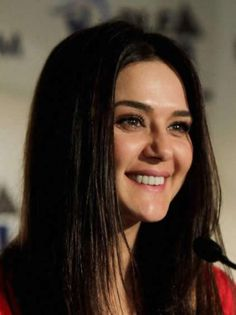 Preity Zinta love her! Indian Bollywood, Bollywood Stars, Bollywood Actress, Indian Actresses, Actors & Actresses, Pretty Zinta, Indian Celebrities, Beautiful Indian Actress, Woman Face