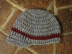 Newborn newsboy hat PATTERN  maybe in a girly color with a flower?  @Kelly Vanderpool
