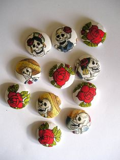 skulls and roses buttons