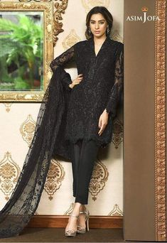 Pakistani Fancy Dresses Asim Jofa Mysorie Chiffon Collection consists of women best embroidered luxury suits, perfect for eid, weddings, parties, Black Pakistani Dress, Pakistani Fancy Dresses, Pakistani Party Wear, Eid Dresses, Pakistani Girl, Pakistani Dress Design, Pakistani Outfits, Indian Dresses, Indian Outfits