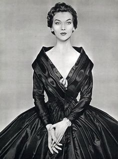 Absolutely gorgeous ~ Givenchy 1954