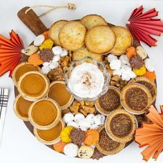 30 Thanksgiving Tablescapes + Inspiration - The Glam Pad Thanksgiving Snacks, Thanksgiving Tablescapes, Thanksgiving Quotes, Thanksgiving Sides, Thanksgiving Outfit, Thanksgiving Decorations, Charcuterie Recipes, Charcuterie And Cheese Board, Cheese Boards