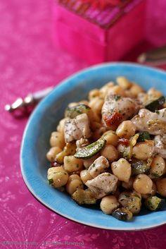 Insalata Tiepida Di Ceci E Pollo Con Zucchine E Pomodori Secchi