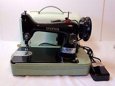 Vintage Singer Dikiş Makinesi Spartan Seyahat Çantası Antik Çalışma Ağır Eski