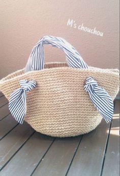 Totally handmade crochet tote bag with short or long knitt Crochet Shoulder Bags, Diy Clutch, Ethnic Bag, Diy Accessoires, Summer Bags, Knitted Bags, Handmade Bags, Fashion Bags, Diy Fashion