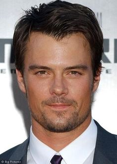 cute.....read Safe Haven and loved it.....can't wait to see the movie.