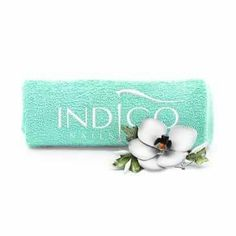 Asciugamano Tiffany con scritta bianca #asciugamano #tiffany #torino #nailartist #indigonailspiemonte #indigonails #gadget