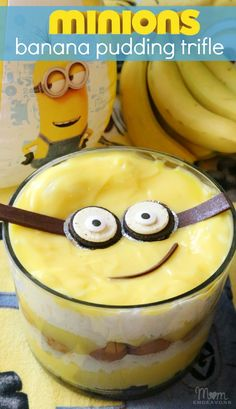 Minions Banana Pudding Trifle in little cups Minion Party Food, Minion Theme, Minion Banane, Banana Pudding Trifle, Minion Birthday, 2nd Birthday, Birthday Ideas, Sorbets, Delicious Desserts