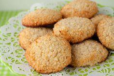 5 Ingredient Chewy Vanilla Coconut Cookies