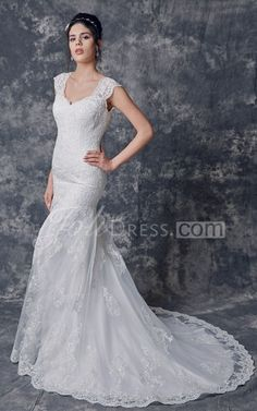 Scalloped Neck Cap Sleeved Sheath Long Lace Dress With Pleats
