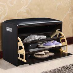 Il existe de nombreuses idées de rangement créatives et intelligentes pour vos chaussures, quels que soient votre espace disponible et/ou votre collection de chaussures. En fait, vous devez prendre 3 choses en compte : la capacité de rangement, la facilité d'utilisation et le côté design.