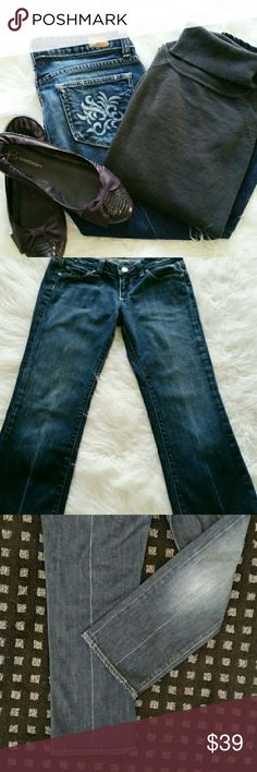 Laurel Canyon Paige Jeans EUC Classic Paige faded lines down back of legs & bottom of front. Paige Jeans Jeans Ankle & Cropped
