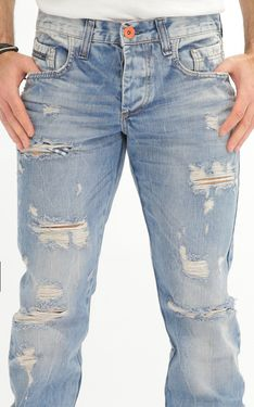 Looking for Men's Designer Jeans? Cipo & Baxx has the latest styles of Men's Ripped Jeans in Australia. Shop now on our online store! Men's Denim, Denim Shorts, Edgy Look, Shirt Jacket, Ripped Jeans, Men Fashion, Shop Now, Boyfriend, Pants