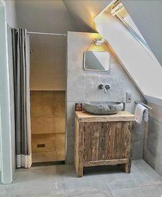Ideas Bath Room Inspiratie Schuin Dak For 2020 Room Design, House, House Bathroom, Home, House Inspiration, New Homes, Bathroom Interior, Modern Baths, Living Room Designs