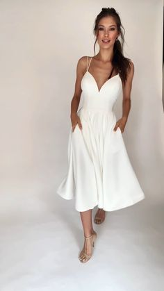 Civil Wedding Dresses, Dream Wedding Dresses, Bridal Dresses, Wedding Dress Bustle, Simple Dresses, Pretty Dresses, Beautiful Dresses, Prom Outfits, Homecoming Dresses