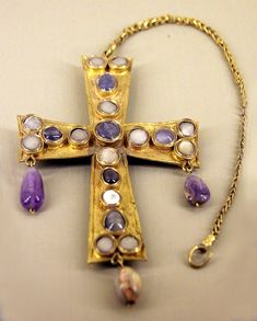 Medieval jewelry held in the Musee du Cluny, Paris.