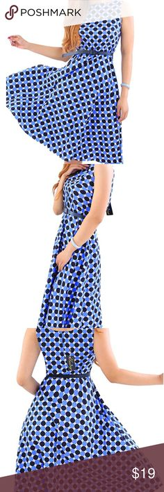 """Sleeveless Vintage Navy and Powder Blue Polka Dot Material:Cotton Blend; light weight, silky and comfortable on Skin. Scoop Neck, high waist and sleeveless; Concealed Zipper closure; Fitted bodice and Full Flared skirt; Midi Length Dress with Navy and Powder Blue Polka Dot Print; a perfect Vintage Party Picnic Garden Dress. Comes with black belt as pictures show. Garment Care:No Bleach, Iron on low temperature or Air Dry. FITS BUST ~33"""", WAIST ~28"""", LENGTH ~41""""; please allow 1-2cm slight…"""