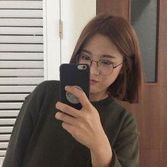 Ideas For Hair Short Korean Ulzzang Ulzzang Short Hair, Asian Short Hair, Girl Short Hair, Short Hair Cuts, Korean Short Hairstyle, Short Hair Korean Style, Ulzzang Hairstyle, Girl Hair, Asian Style