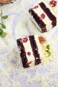 Cake with cherries and coconut cream Romanian Desserts, Romanian Food, Sweets Recipes, Cake Recipes, Square Cakes, Small Cake, Yummy Cookies, Christmas Desserts, Food Cakes
