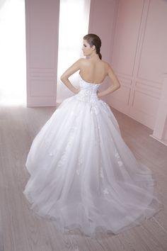 La cauda de Joanna #NuevaColección2015 #EssenceMx #Wedding #Boda #Vestido #Novia #Vintage #Dress #Vintage