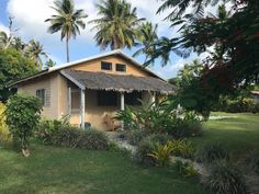 Apera Beach Front Bungalows features a restaurant, bar, a garden and private beach area in Tanna Island. Best Sunset, Snorkelling, Crystal Clear Water, Smoking Room, Vanuatu, Bungalows, Solo Travel, Nice View, Wonderful Places