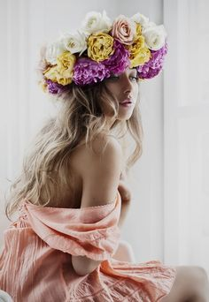 Lemholt photography romantic flowers, beautiful flowers, flowers in hair, f Pixie Hollow, Photography Women, Fashion Photography, Abstract Photography, Portrait Photography, Romantic Flowers, Beautiful Flowers, Floral Headpiece, Looks Style