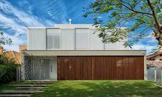 Casa Jurerê Internacional / Pimont Arquitetura