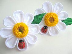 Set of 2 ponytails camomile ladybug. White flower. от KatyaFantasy, $10.50