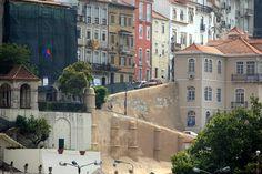 Rua Couraça de Lisboa - Il forum ha molte foto sul recupero della città Alta di Coimbra. La strada è vicina all'Università (il che spiega la frase di Saramago)