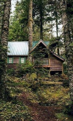 Forest Cabin, Forest House, Tiny House Cabin, Log Cabin Homes, Cozy Cabin, Cozy Cottage, Haus Am See, Deco Nature, Cabins In The Woods