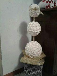 Palle di polistirolo, Fiorellini di carta, spilli con perla