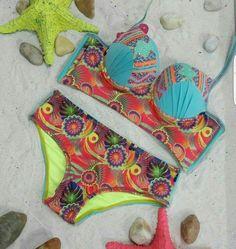 Para quienes les gustan los #VestidosDeBaño más discretos, nos llegaron estos estilos en tanga y brasier ancho. #LolaAccesorios