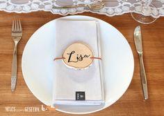 DIY - place cards from wooden discs - Ideen - Teal Wedding Decorations, Wedding Lanterns, Wedding Centerpieces, Barn Wedding Venue, Farm Wedding, Rustic Wedding, Wedding Cutlery, Wedding Napkins, Wedding Places