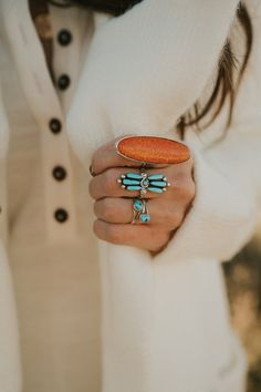 How to wear multiple rings. - Okay let's talk about how to jazz up your everyday outfit. These rings are made from real gemston - Bracelet Turquoise, Turquoise Rings, Vintage Turquoise, Turquoise Wedding Rings, Multiple Rings, Yoga Outfits, Boho Rings, Diamond Wedding Bands, Everyday Outfits