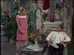 Sam and Darrin Agnes Moorehead, 60 Fashion, Retro Fashion, Vintage Fashion, Bewitched Tv Show, Bewitched Elizabeth Montgomery, Erin Murphy, Strega, 70s Tv Shows