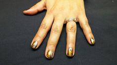 Gel nails with metallic pigment powder