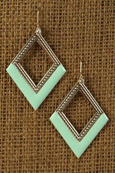 love the shape and the mint green