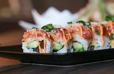 Spicy Crab Roll Recipe, Tuna Sushi Recipe, Spicy Tuna Sushi, Crab Sushi, Sushi Roll Recipes, Spicy Tuna Roll, Sushi Sushi, Sushi Rolls, Tuna Roll Sushi