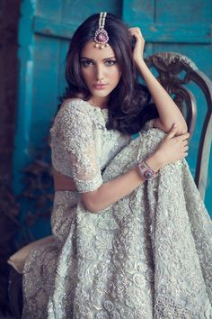Here are the 12 simple yet gorgeous looks for the Indian bride in white across different styles. Read on to view the bridal looks at New Love Times Pakistani Bridal, Pakistani Dresses, Indian Bridal, Indian Dresses, Indian Outfits, Bride Indian, Indian Clothes, Bridal Lehenga, Moda India