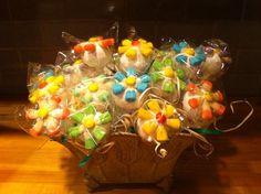 Items similar to Flower Cake Pops on Etsy Flower Cake Pops, Shower Ideas, Party Ideas, Baby Shower, Cakes, Birthday, Garden, Handmade Gifts, Flowers