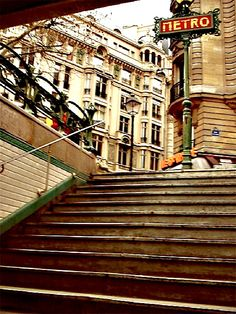 Je t 39 adore paris on pinterest montmartre paris paris - Metro saint michel paris ...