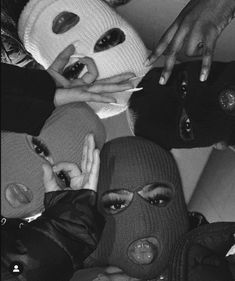 Gray Aesthetic, Black And White Aesthetic, Bad Girl Aesthetic, Aesthetic Collage, Aesthetic Photo, Aesthetic Pictures, Black And White Picture Wall, Black And White Girl, Black And White Wallpaper