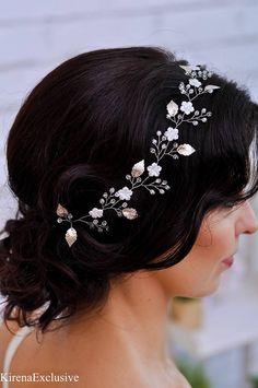 b4529fa30ab Artículos similares a Bridal flower crown wedding Bridal hair vine Bridal  headband Wedding flower crown Wedding headpiece Wedding hair vine Wedding  headband ...