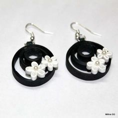 Paper quilled earrings - black & white