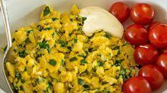 Eggerøre med ramsløk Allium, Pesto, Food And Drink, Vegetables, Drinks, Men, Drinking, Beverages, Vegetable Recipes
